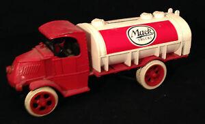 Ertl Gas Truck Bank Replica of 1926 Mack Tanker Red & White Bulldog