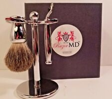 Razor Md Groom Kit: Grooming Brush , Razor Handle & Stand (No Blades)