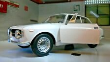 1:24 Scale 1966 Alfa Romeo Giulia GT 1300 Junior Leo Whitebox Diecast Model LGB