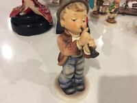 Goebel Hummel Figurine 85/2 Serenade Boy Playing Flute