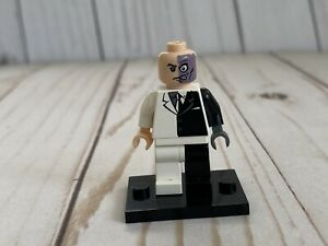 LEGO Batman Two-Face With White Hips Minifigure Only - Rare