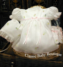 NWT Will'beth White Baby Girls 4pc Diaper Set Newborn Size 0 Bonnet & Booties