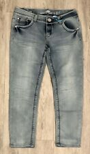 Almost Famous Jeans Size 11 Inseam 26�