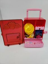 Vintage Strawberry Shortcake - clothes - accessories and carrying case Lot