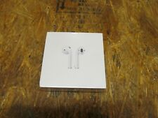 Apple AirPods Generation 2 with Charging Case ( LOT 1271)