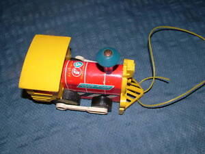 VINTAGE TOY 1964 FISHER PRICE TOOT TOOT TRAIN