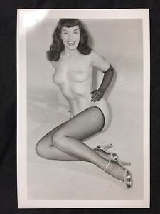 Vtg 50's Original Bombshell Bettie Page Heels Nylons Girlie Risque Pinup Photo