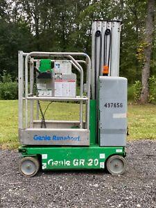 Genie GR20 vertical mast lift Scissor Personal man lift JLG GR-20