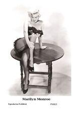 MARILYN MONROE - Film star Pin Up PHOTO POSTCARD - P509-1 Swiftsure Postcard