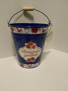"""Pioneer Woman Blue """"Homegrown Goodness"""" Decorative Tin Bucket with Farmhouse"""