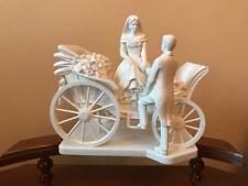 FIGURINE WILTON WEDDING CAKE TOPPER PORCELAIN WEDDING COUPLE IN CARRIAGE