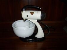 1940's Sunbeam Mixmaster 5B with Meat grinder and glass bowls 10 Speeds Works