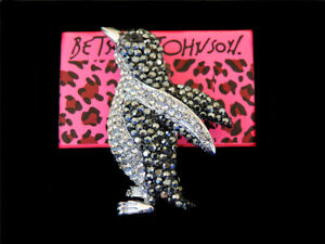 Black/White Crystal Beautiful Penguin Charm Betsey Johnson Animal Brooch Pin