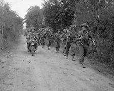 "Scottish Infantry 2nd Glasgow Highlanders advance 8""x 10"" World War II Photo 477"