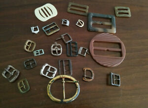 RM401)Collection of vintage/retro buckles x 23 various materials, sizes, colours