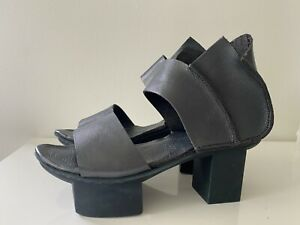 NWOB TRIPPEN Peep Toe Shoes | Blue/Gray Leather | EU 39/US 8 to 8.5
