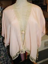 Vintage 1940s Ladies Dressing Gown Cape Bed Jacket Pink Lace Rosebud Lingerie