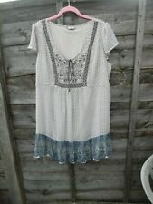 LADIES LOVELY MARKS AND SPENCER TOP SIZE 20