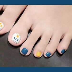 Small Fresh Blue Flower False Toe Nails Square Full  Artificial Press On Nails