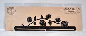 Classic Motifs 18 Inch Pine Needles Craft Holder