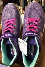 Womans Size 5 Sketchers