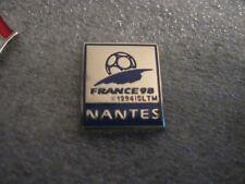 RARE OLD 1998 FRANCE FOOTBALL WORLD CUP NANTES SMALL ENAMEL PRESS PIN BADGE