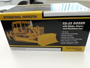 First Gear 1:25 Scale International TD-25 Dozer Modell