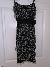 Black & White Floral Cocktail Dress. Arden B. Size small.