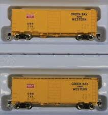 Lot of 2  HO Scale WALTHERS 910-2369 & 2370 GREEN BAY & WESTERN 40' PS-1 Boxcars