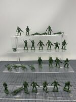 28 GREEN ARMY MEN 1960'S? MPC Green military toy soldier VINTAGE T2-4