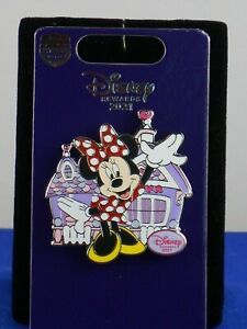 Disney Rewards Chase Visa 2021 Minnie Mouse ToonTown Home House Trading Pin