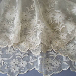 """Antique Creamy Ecru TAMBOUR LACE Flounce 15"""" Wide X 105"""" * Embroidered FLOWERS"""