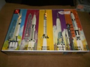 AMT 700, 1/200 MAN IN SPACE FIVE COMPLETE NASA ROCKET PLASTIC MODEL KIT