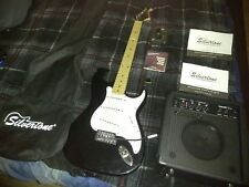 """*VERY NICE* """"STRAT""""  SILVERTONE 6 STRING ELECTRIC GUITAR AND AMP COMBO!"""