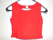 Rotes Top mit interessanter Rückengestaltung Größe 34