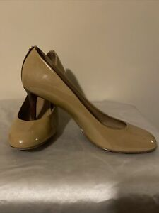 TORY BURCH Leah Mid-Heel Patent Leather Camel Pumps Size 9.5M