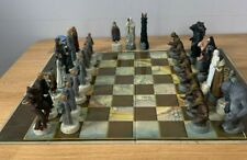 More details for lord of the rings trilogy edition chess set character games ltd