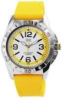 Q&Q Herrenuhr Weiß Gelb Analog Metall Silikon Quarz Armbanduhr Sport D-Q790334Y