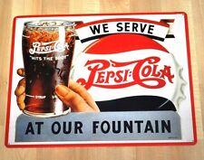 Pepsi Cola USA 38 cm Blechschild Blech Schild - Glas in Hand vor Kronkorken