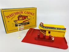 Original MATCHBOX LESNEY 1957 Garage Service Station Pump Showroom Esso Sign Set
