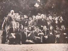144 - Groupe de jeunes gens avec cravate - Instrument musique dans housse
