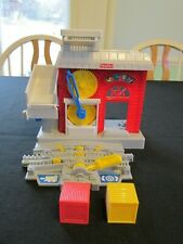 Geotrax Fisher Price Workin Town Railway Factory Building