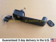 JCB BACKHOE - DOOR HANDLE WITH 2 KEYS (PART NUMBER 123/04067 701/45501)