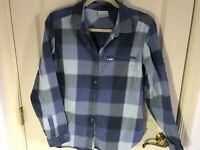 Woman's Columbia size large blue checkered zip pocket cotton blouse