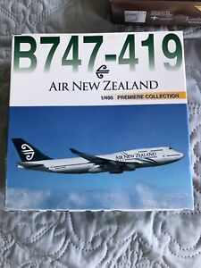 """Dragon Wings 400 Air New Zealand B747-419 """"2000s color"""" Includes Baggage Loader!"""