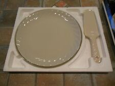 Porcelain Server Cake /Pie Plate 1989 w/Box Swirled Excellent Gold Ivory Color