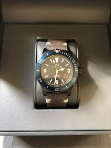 Glycine Combat Sub GL0270 Watch - Swiss Made - Great Condition inc Warranty