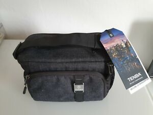 Tenba Skyline 10 Shoulder Bag in Black... New.