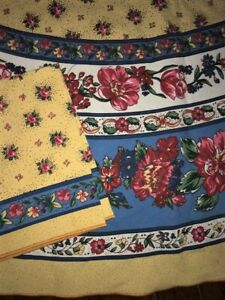 """1 NEW 70"""" ROUND FRENCH COUNTRY FLORAL TABLECLOTH 4 MATCHING NAPKINS YELLOW BLUE"""