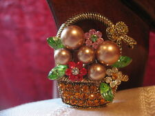Beautiful Vintage Gold Tone w/Crystals & Faux Pearls Basket Brooch, Coat Pin